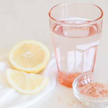 The Benefits of Lemon & Salt Water in the Morning: